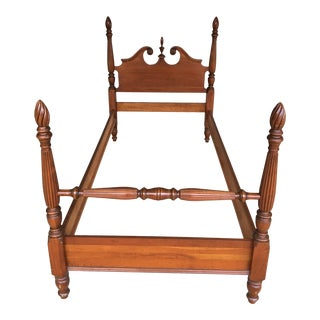 Vintage Maple Chippendale Style Flame Finial Poster Bed For Sale