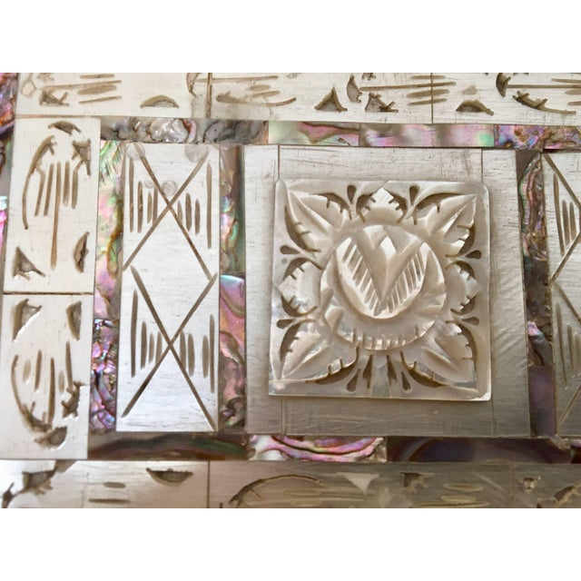 Anglo-Indian Middle Eastern Abalone and Mother-Of-Pearl Inlay Large Rectangular Box For Sale - Image 3 of 13