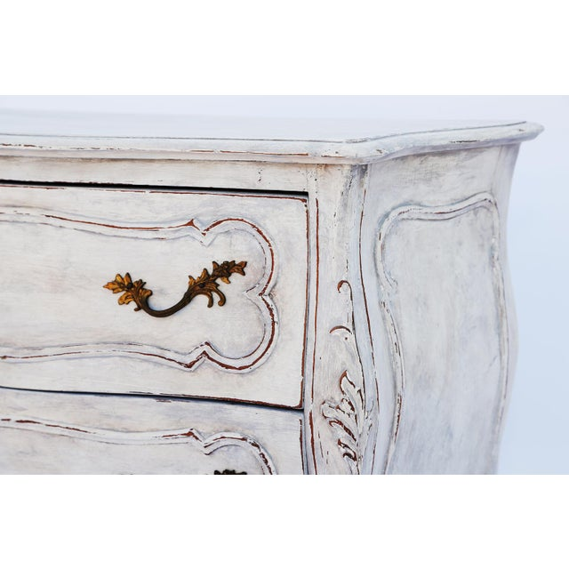 Pair of Painted Rococo-Style Nightstand Commodes For Sale - Image 4 of 9