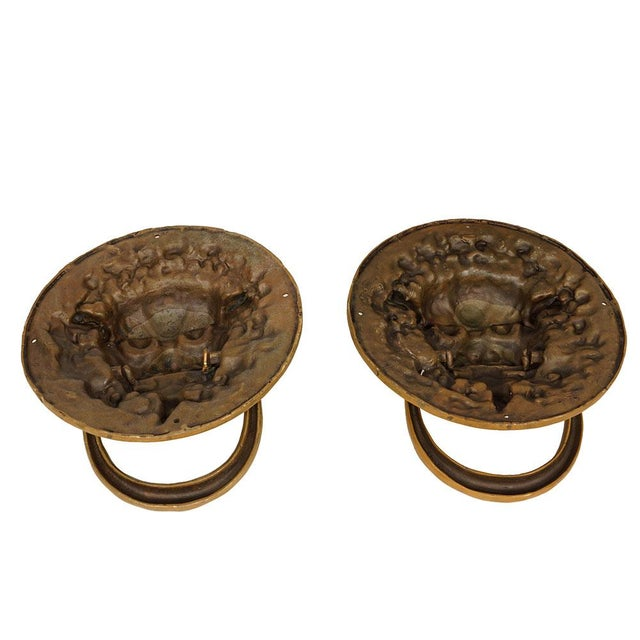 Vintage Chinese Old Fashion Brass Foo Dog Door Knob/Bells - a Pair For Sale In Los Angeles - Image 6 of 7