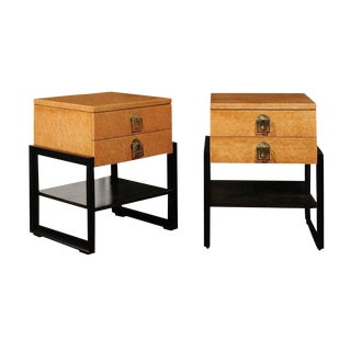 Magnificent Pair of End Tables by Renzo Rutili in Birdseye Maple, Circa 1955 For Sale