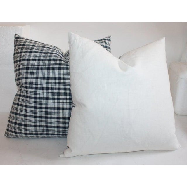 19th Century Homespun Linen Blue and White Pillows- 4 Pieces For Sale In Los Angeles - Image 6 of 7