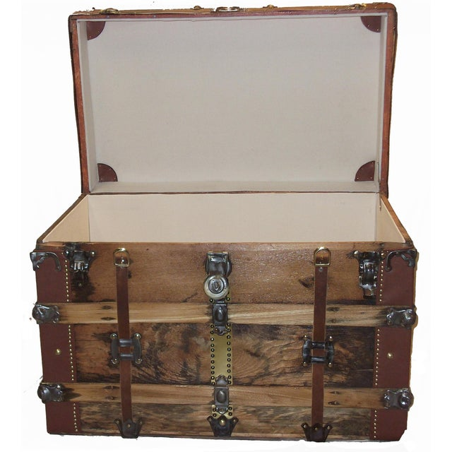 Early 1900's American Antique Box Trunk For Sale - Image 4 of 5