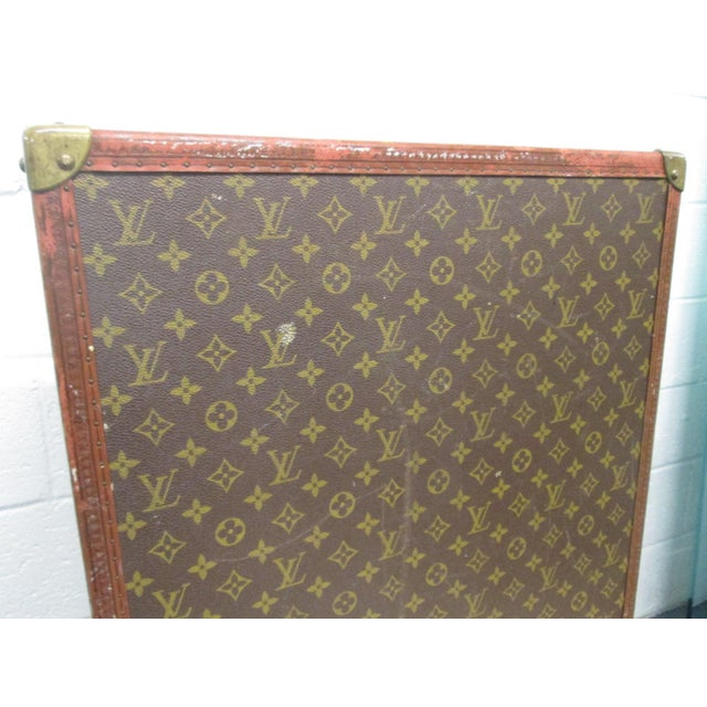 Louis Vuitton Vintage Hat Box For Sale - Image 9 of 10