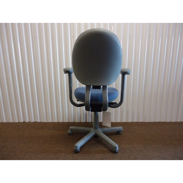 Modern Modern Steelcase Criterion Blue Ergonomic Office Desk Chair For Sale - Image 3 of 13