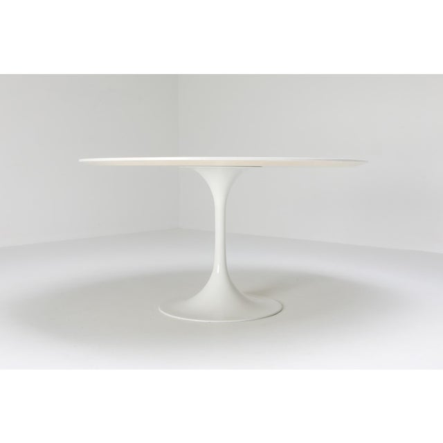 "1970s 1970s Eero Saarinen ""Tulip"" Dining Table for Knoll For Sale - Image 5 of 10"