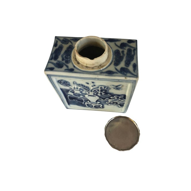 18th Century Chinese Blue and White Tea Caddy For Sale In Dallas - Image 6 of 8