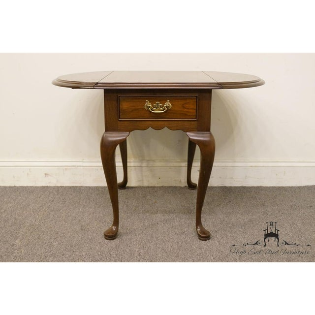 Cherry Wood 20th Century Queen Anne Cherry Wood Drop-Leaf End Table For Sale - Image 7 of 13