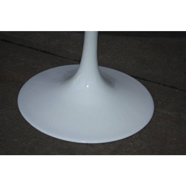 Mid-Century Modern Contemporary White Tulip Style Table For Sale - Image 3 of 4