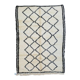 Moroccan Berber Rug-6′10″ × 9′7″ For Sale