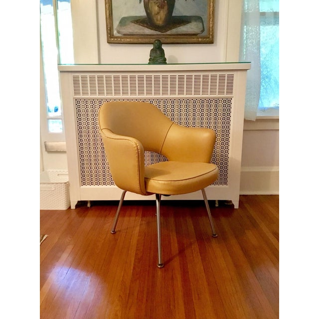 1980s Original 1950's Vintage Eero Saarinen for Knoll Model 71 Executive Armchairs - a Pair For Sale - Image 5 of 11