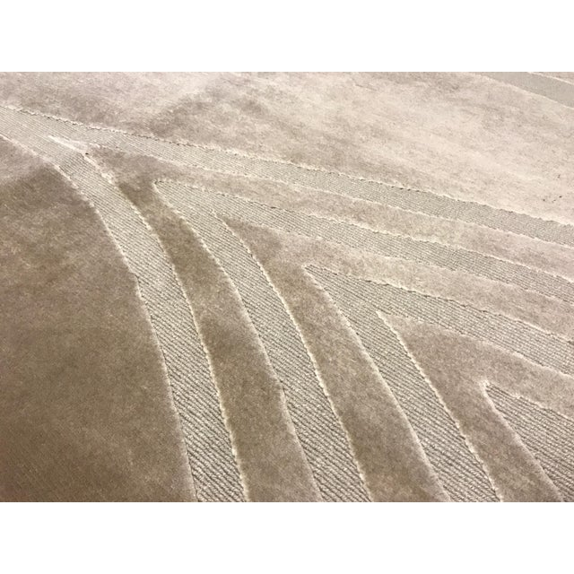 "Contemporary Hand-Woven Rug - 5'8"" x 7'10"" - Image 2 of 3"