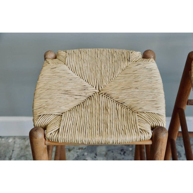 Contemporary Pair of Rush Bar Stools in the Style of Charlotte Perriand For Sale - Image 3 of 6