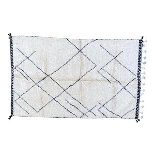 Moroccan Berber Handmade Rug-4′9″ × 8′ For Sale
