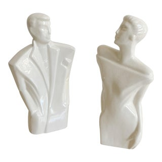 Lindsey Balkweill Style Statues - a Pair For Sale