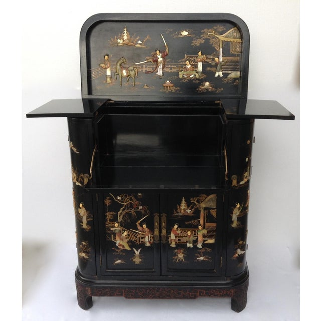 1950s c.1950s James Mont Designed Asian-Style Dry Bar Cabinet by George Zee & Co. For Sale - Image 5 of 13