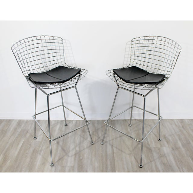 Knoll Modernist Chrome and Black Vinyl High Bar Stools by Bertoia for Knoll - a Pair For Sale - Image 4 of 8