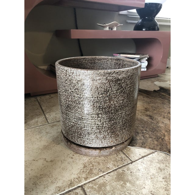 1960s Vintage Gainey Ceramics Ac-12 Planter Pot With Tray For Sale In Kansas City - Image 6 of 6