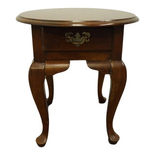 """Cresent Furniture Solid Cherry Traditional Style 23"""" Oval Accent End Table For Sale"""
