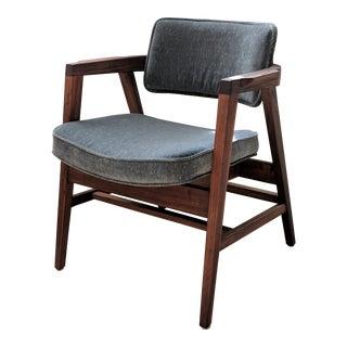 1960s Mid Century Modern Gray Fabric Walnut Gunlocke Chair