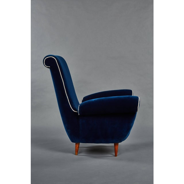 1950s Pair of Ico Parisi Attributed Blue Velvet Armchairs For Sale - Image 5 of 8