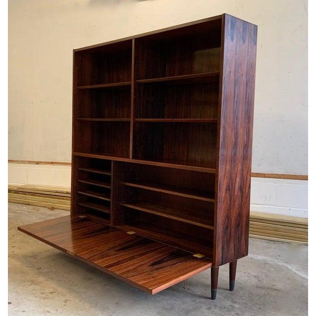 Danish Modern Danish Mid Century Modern Rosewood Bookcase / China Cabinet For Sale - Image 3 of 11