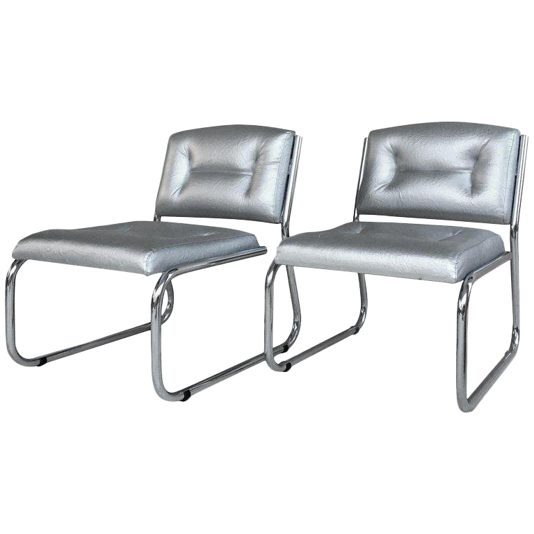Pair Of Art Deco Tubular Chrome Lounge Chairs In Silver Faux Leather For  Sale