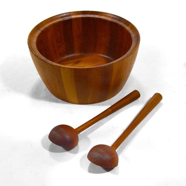 1960s Oversize Staved Teak Bowl & Servers by Richard Nissen For Sale - Image 5 of 12