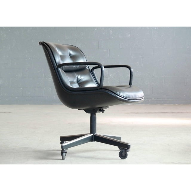 Charles Pollock Executive Chair for Knoll International in Black Leather For Sale In New York - Image 6 of 7