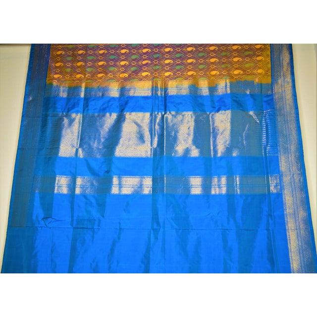 Silk Ikat Poochampalee Saree Sari Indian Gold Tone Yellow Green Turquoise Blue Geometric Paisley Pattern For Sale - Image 9 of 9