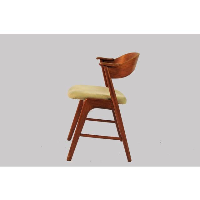 Danish Modern 1960s Vintage Danish Teak Model 32 Dining Chairs - Set of 8 For Sale - Image 3 of 9
