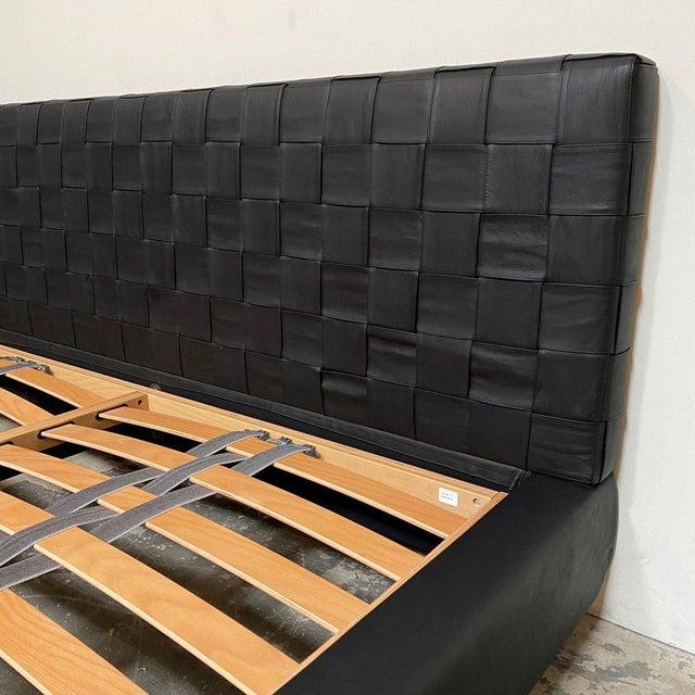 Minotti Minotti 'Bartlett' Black Leather Cal King Bedframe For Sale - Image 4 of 9
