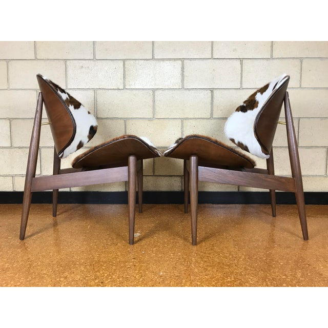 Kodawood Mid-Century Modern Clam Shell Lounge Chairs- A Pair For Sale - Image 5 of 9