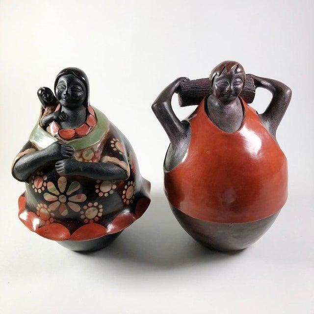 Juan Sandoval Peruvian Folk Art Pottery Figures - a Pair For Sale In Atlanta - Image 6 of 6