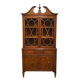 Late 20th Century Vintage Helmer's Manufacturing Co. Duncan Phyfe China Cabinet For Sale