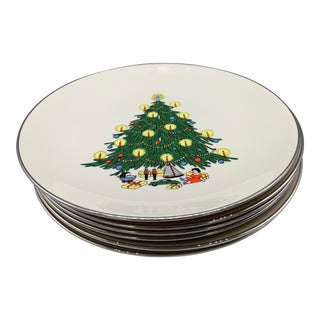 1960s Royal Devon Platinum Trimmed Christmas Dinner Plates - Set of 6 For Sale