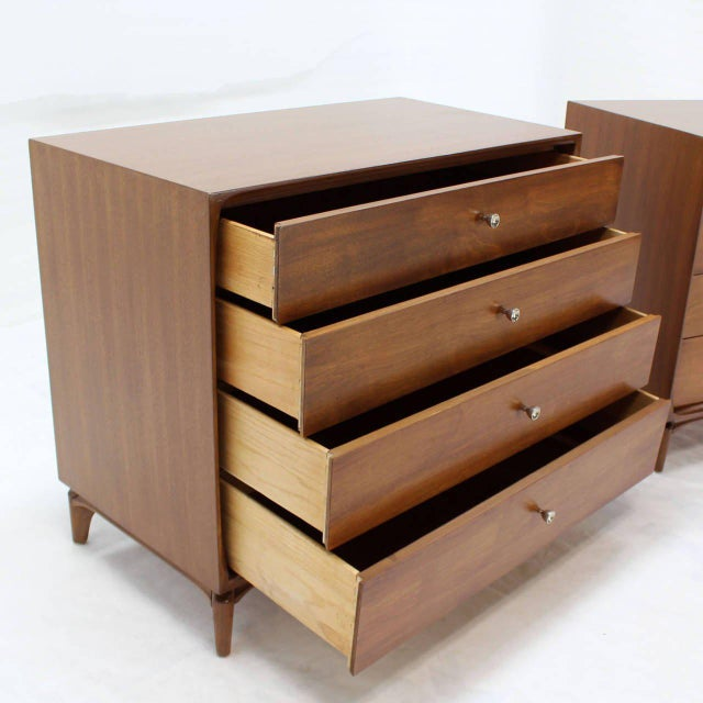 Early 20th Century Pair of Mid-Century Modern Walnut 4 Drawer Bachelor Chests or Dressers For Sale - Image 5 of 8