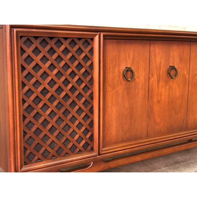 1960s Zenith Mid-Century Modern Stereo Console / Radio / Record Player / Tv Stand For Sale - Image 5 of 13