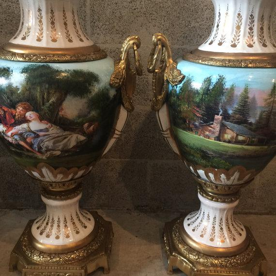 French French Louis XVI Porcelain Vases - a Pair For Sale - Image 3 of 5