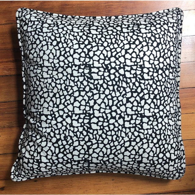Contemporary Tulu Textiles Black and White Accent Pillow For Sale - Image 3 of 3