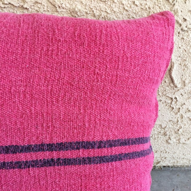 Pink Dyed Grain Sack Pillows - Set Of 3 For Sale - Image 4 of 4