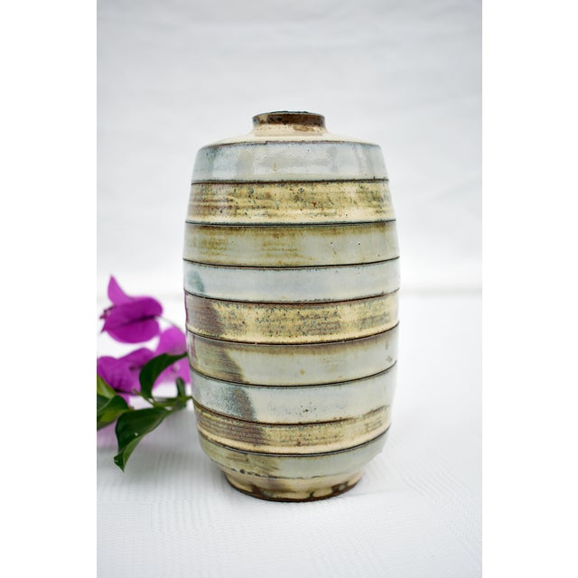 1980s Traditional Earthenware Striped Vase For Sale - Image 4 of 5