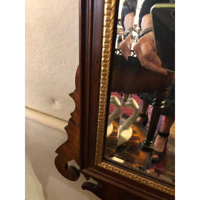 Neoclassical 1950s Vintage Traditional Henkel Harris Mahogany Neoclassical Mirror For Sale - Image 3 of 9