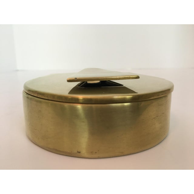 Metal Rare - Mid-Century Virginia Metalcrafters Solid Brass Padlock Box For Sale - Image 7 of 13
