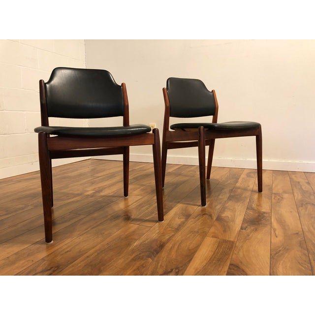 1960s Arne Vodder for Sibast Rosewood and Leather Side Chairs, Made in Denmark, a Pair For Sale - Image 5 of 9