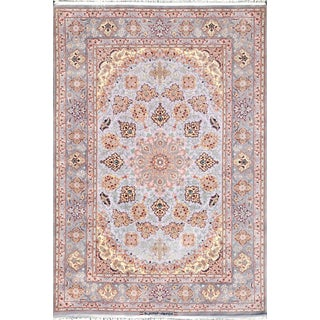"Pasargad Home Isfahan Area Rug - 4'4"" X 6'7"" For Sale"