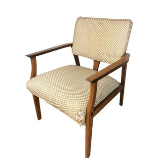 Mid-Century Modern Walnut Frame Lounge Chair For Sale