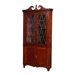 Federal Mahogany with Satinwood Inlay and Banding Corner Cabinet, 20th Century For Sale