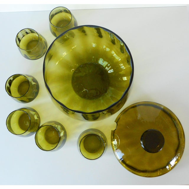 Art Glass Vintage Mid-Century Avocado Green Art Glass Punch Bowl & Cups - Set of 7 For Sale - Image 7 of 9