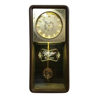 Vintage Miller High Life Beer wall clock. For Sale